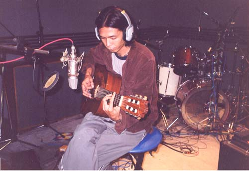 aboi-netral-rekam-gitar-kopong.jpg